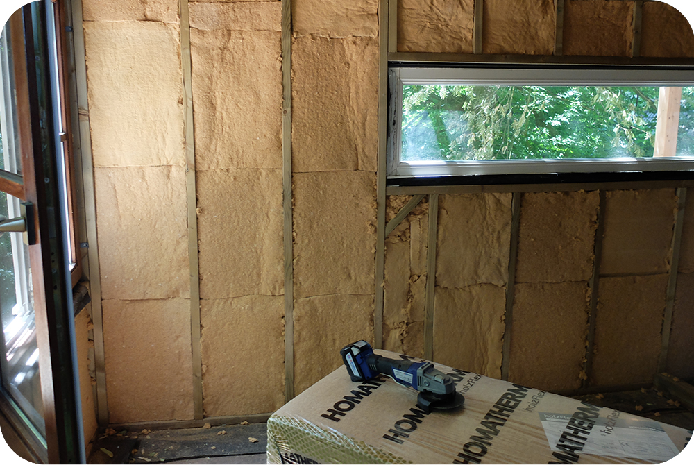 Boomhut isoleren met natuurlijke houtwol isolatie