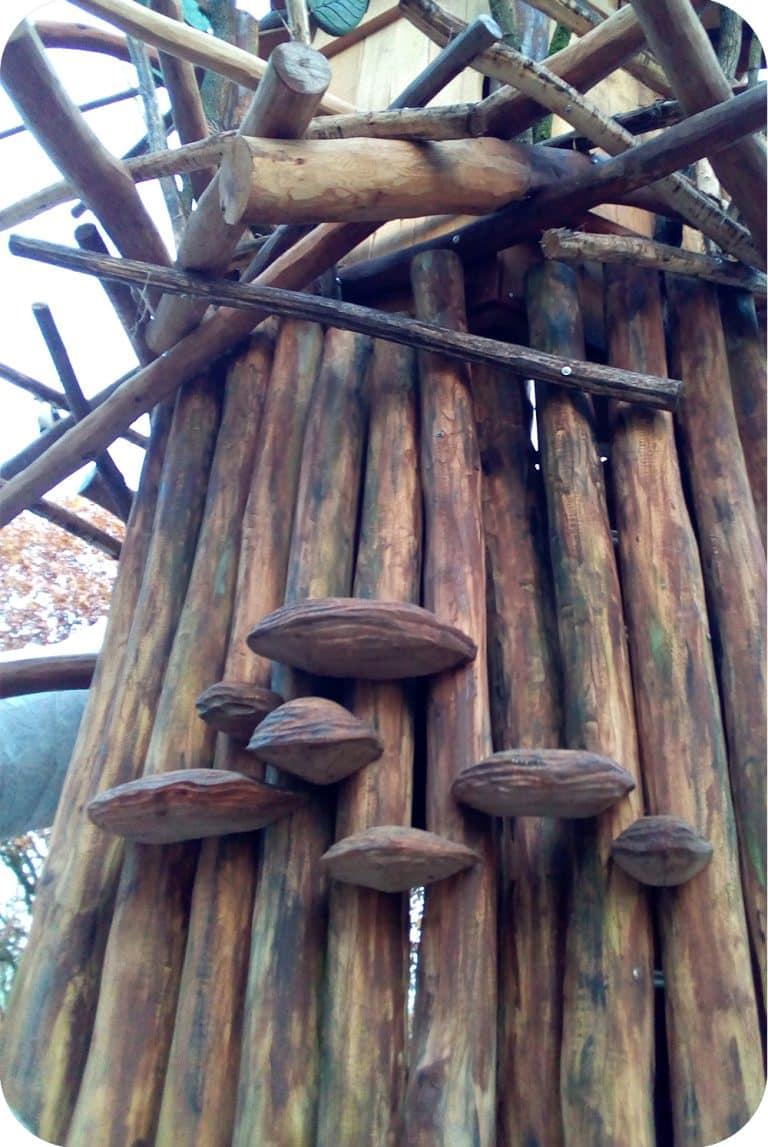 Elfenbankjes in hout
