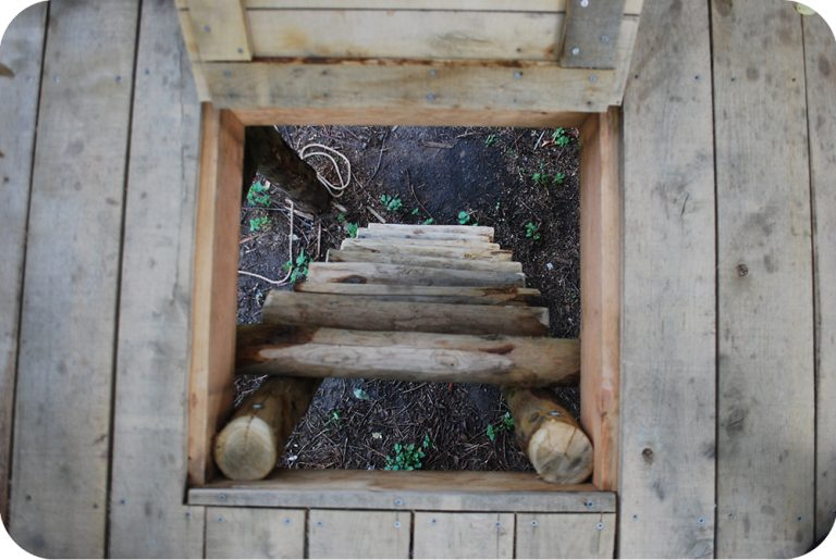 Geheim luik met ladder