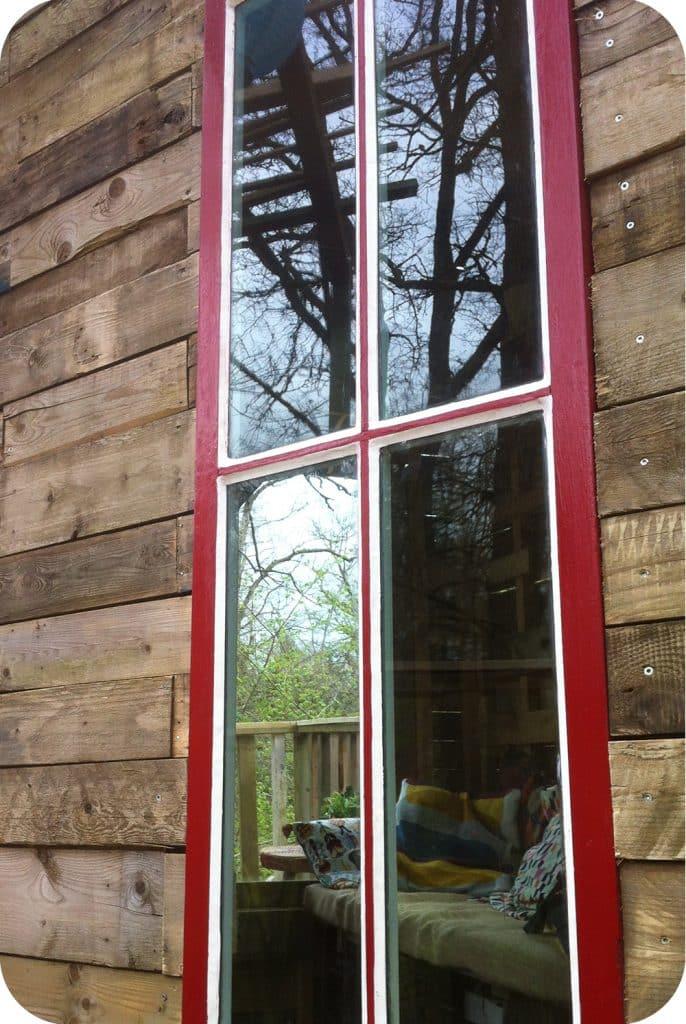 Recup raam in boomhut chevetogne