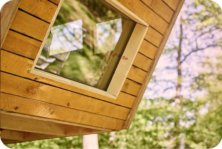 Boomhut bouwen chevetogne raam detail