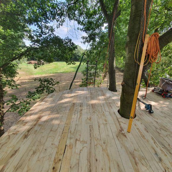 Boomhuis laten bouwen terras