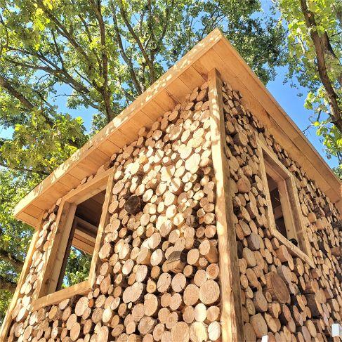 Speelhuisje laten bouwen afwerking in hout